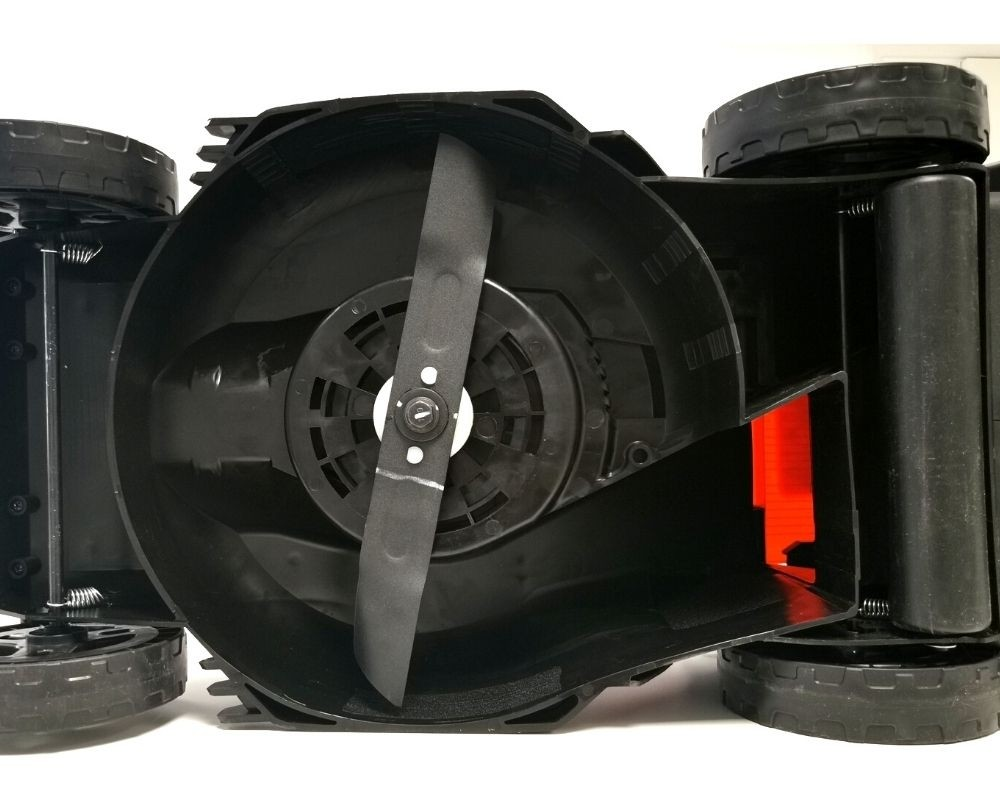 Metal Cutting Blade and Rear Roller for Striped Lawn