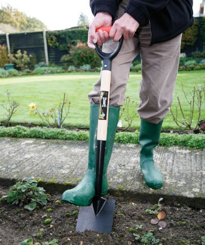 WS Carbon Steel Digging Fork In Action